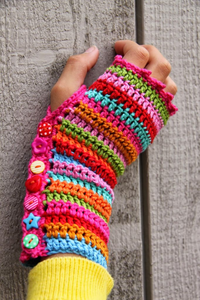 Puff Stitch Fingerless Gloves Crochet Pattern