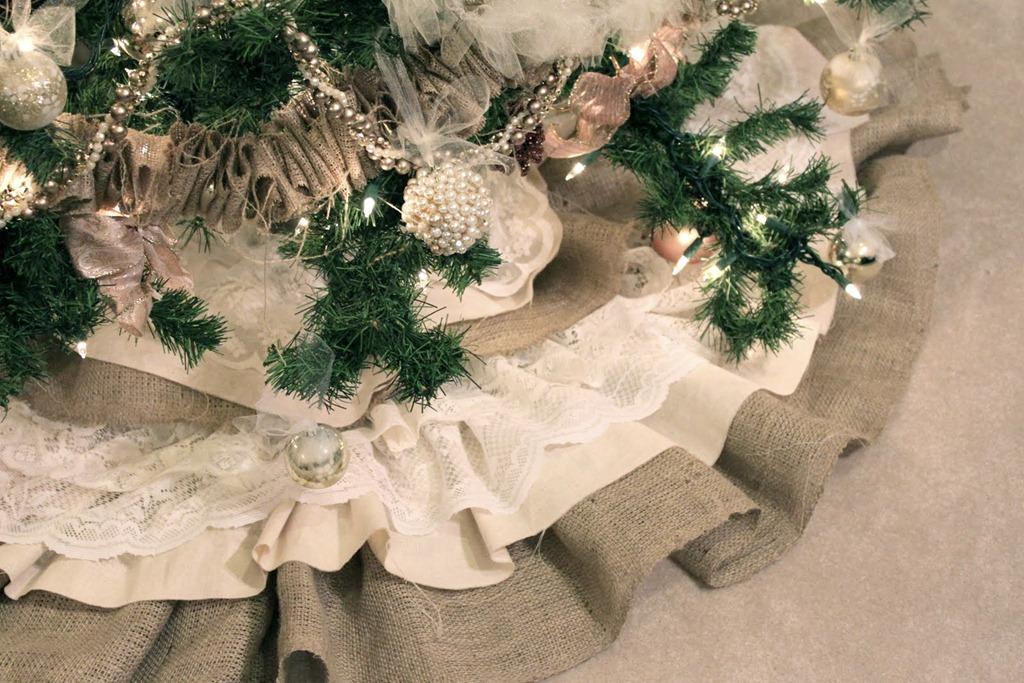 Handmade Christmas Tree Skirt with Burlap