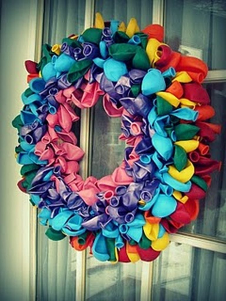 Unique Blown Up Balloon Wreath for Christmas