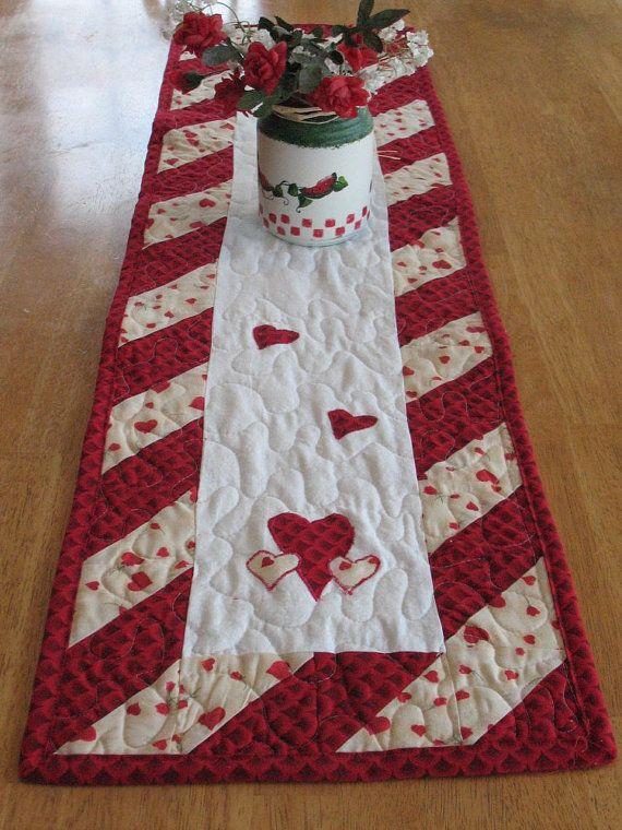 Valentines Day Special - Quilted Table Runner (Patchwork Heart Pattern)