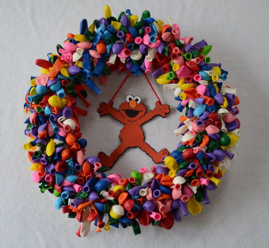 Elmo Balloon Wreath