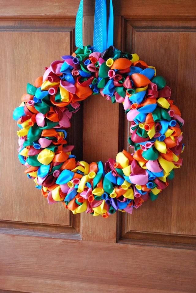Balloon Wreath of Styrofoam