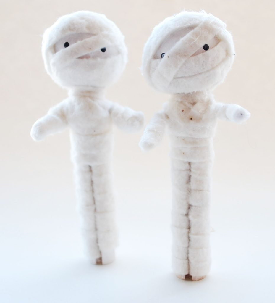 Mummy Clothespin Dolls for Halloween