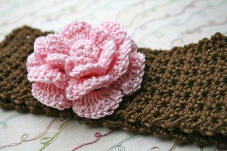 23.-Tapered-Crochet-Flower-Pattern-for-Headband
