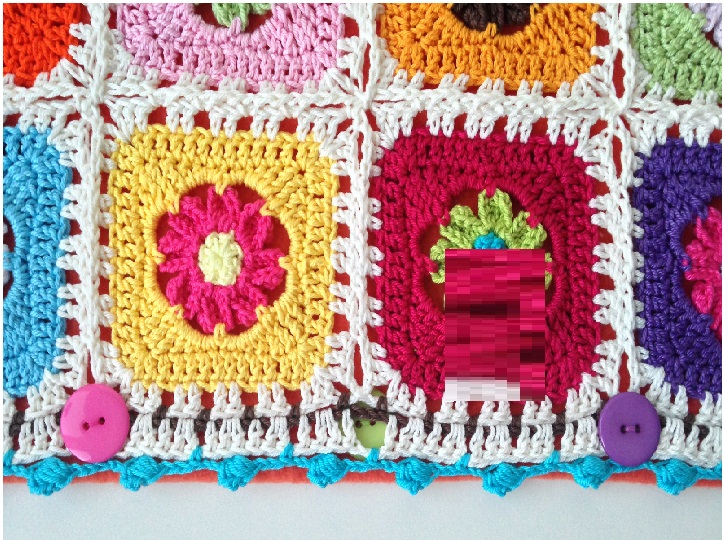 Crochet-Rose-on-a-Granny-Square