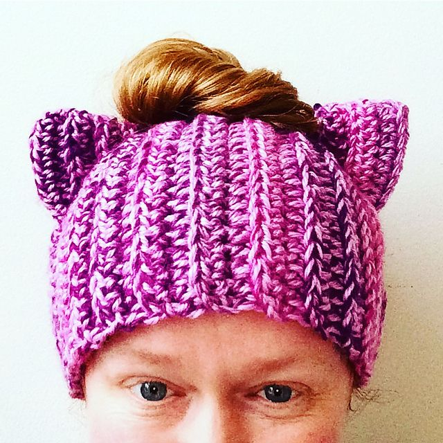 Get 7 knitted cat hat patterns for free. See photos inside ...