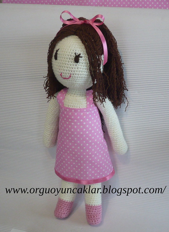 Pink crochet doll pattern