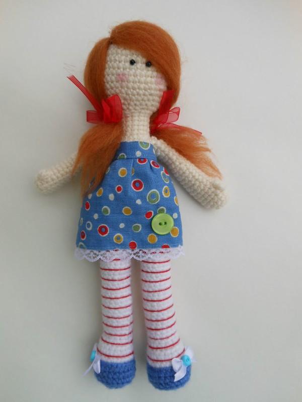 Buttons crochet doll pattern