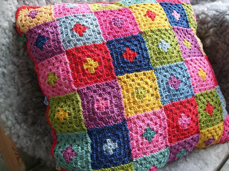 checkered crochet pillow cover