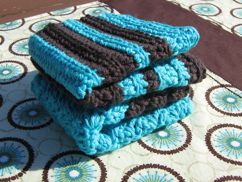 blue and black crochet washcloth pattern
