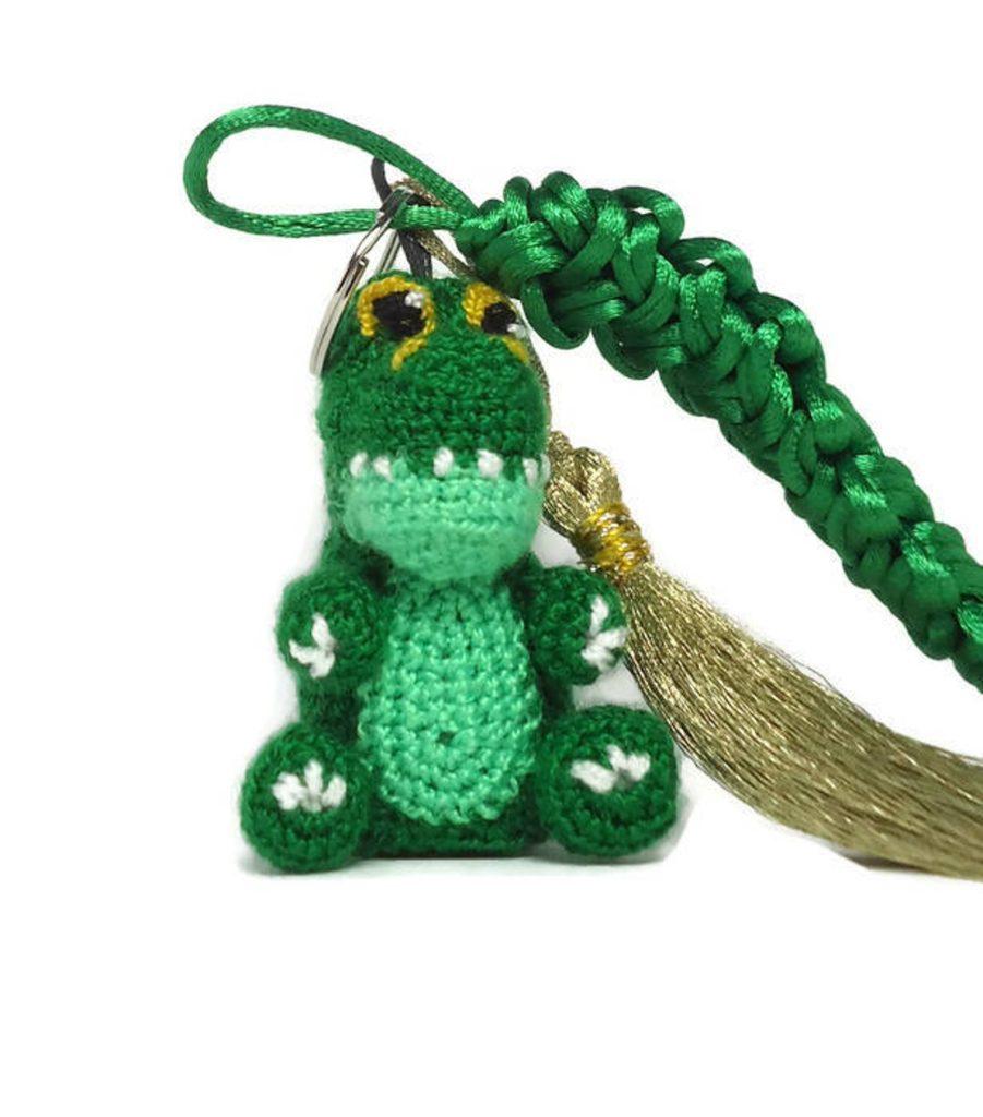 crocodile knit keychain
