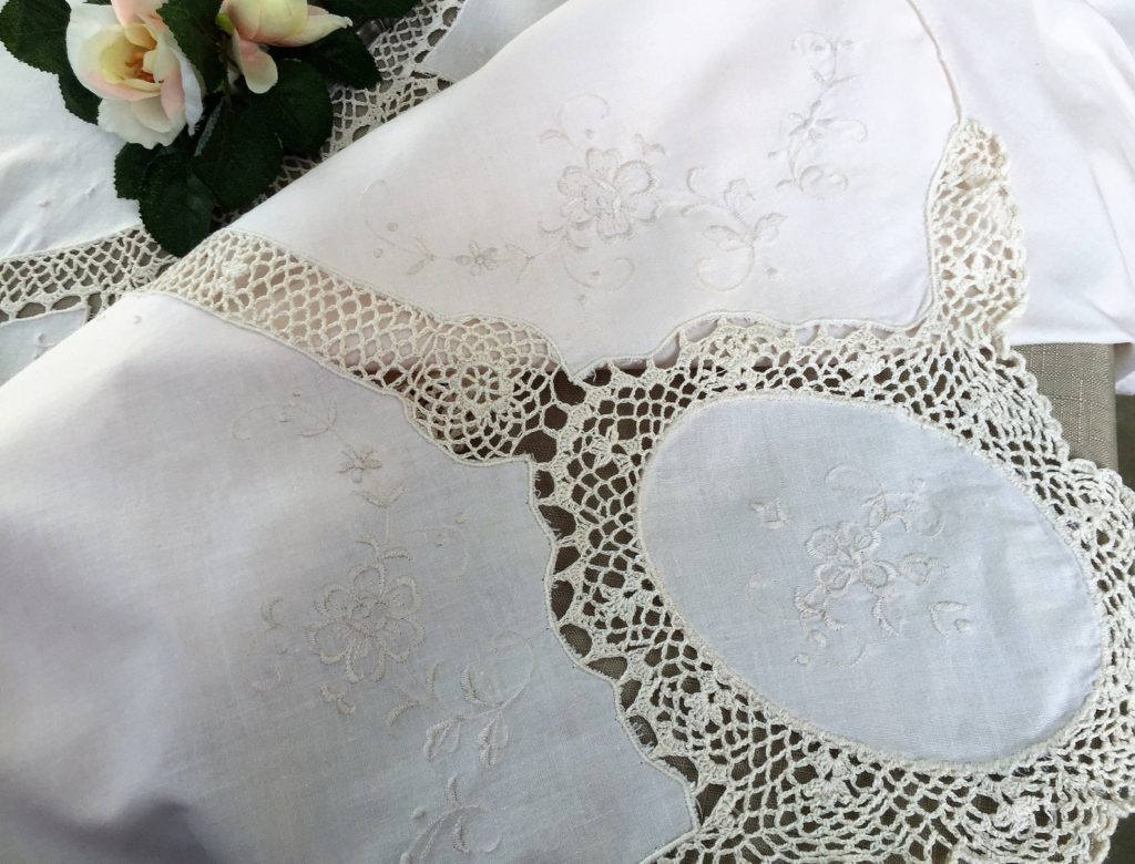 Large Vintage Machine Embroidered Ivory Linen Banquet Tablecloth with Crochet Lace Insets RBT3204