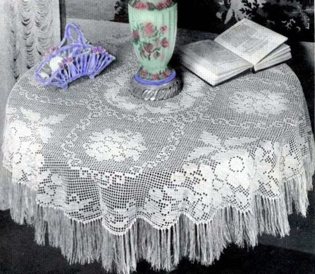 Vintage FRINGE Lace TABLECLOTH Crochet Pattern to make Victorian Round Tablecloth ... Instant Download.PDF ...Downton Abbey Era J479
