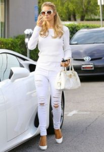 DIY to Make White Torn Jeans
