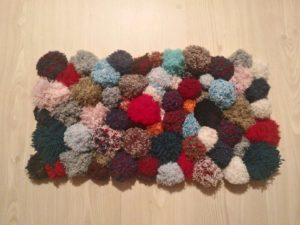 Making Pom Pom Rug in an Easy Way