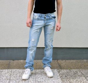 DIY to Make Ripped Jeans for Men