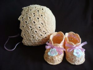 Baby Bonnet and Booties Crochet Pattern