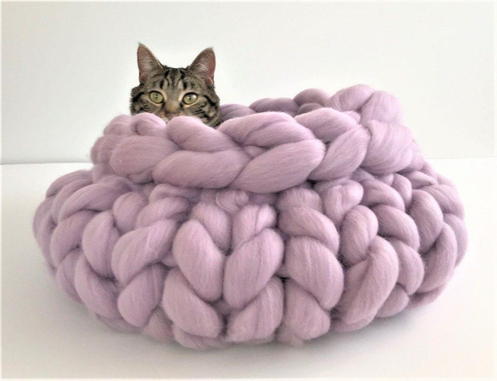 Make an Arm-Knit Pet Bed