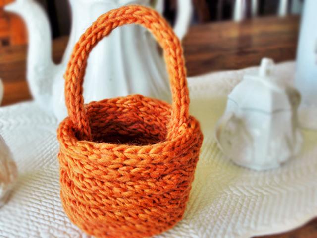 Create a Finger-Knit Basket