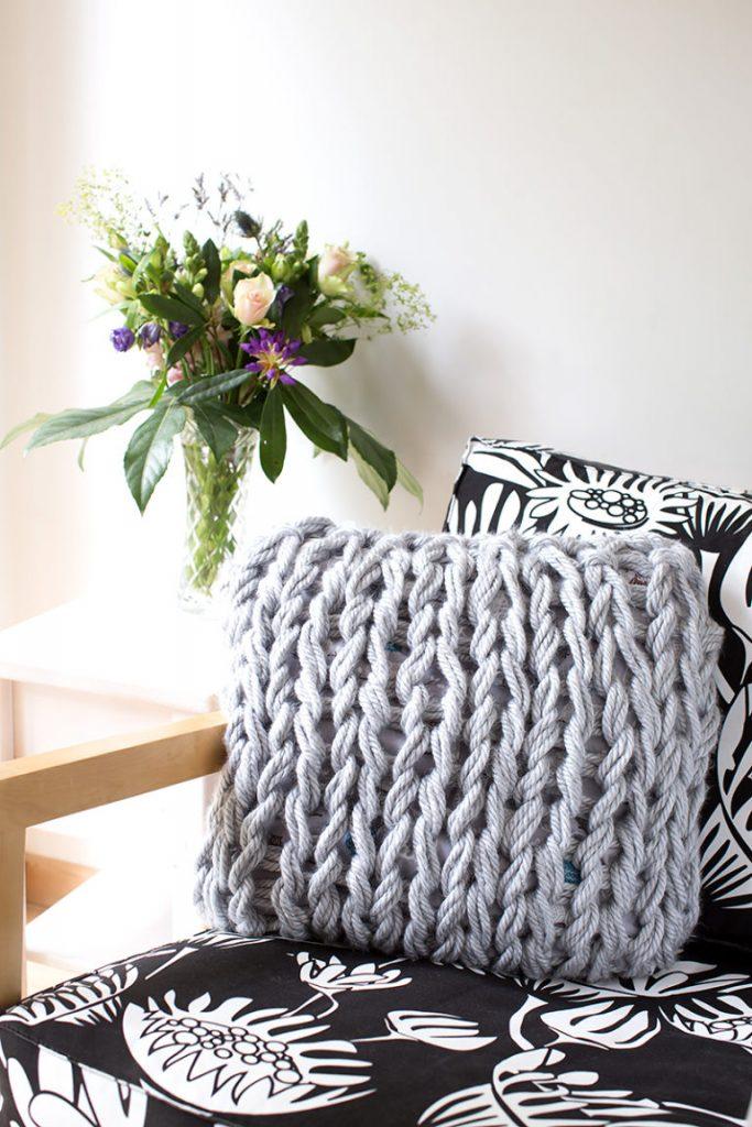 Make an Arm-Knit Pillow Cover