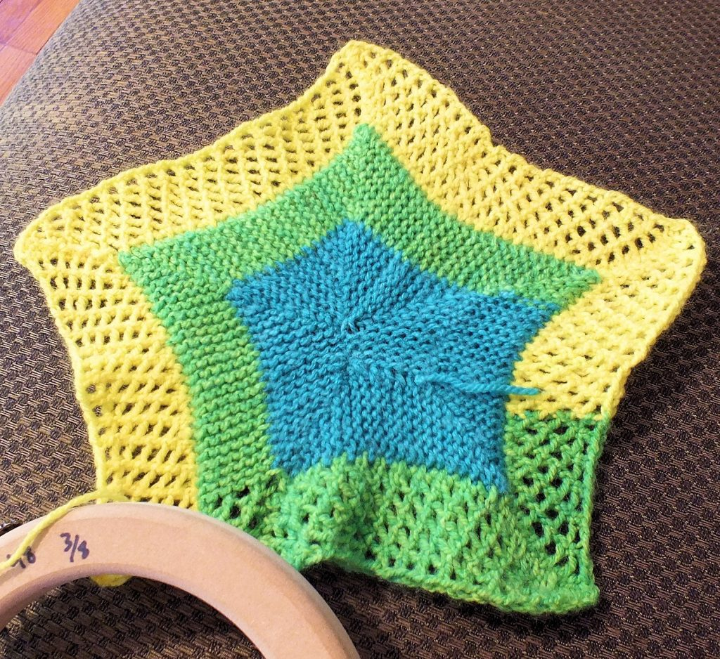 Create a Star-Studded Blanket on a Knitting Loom
