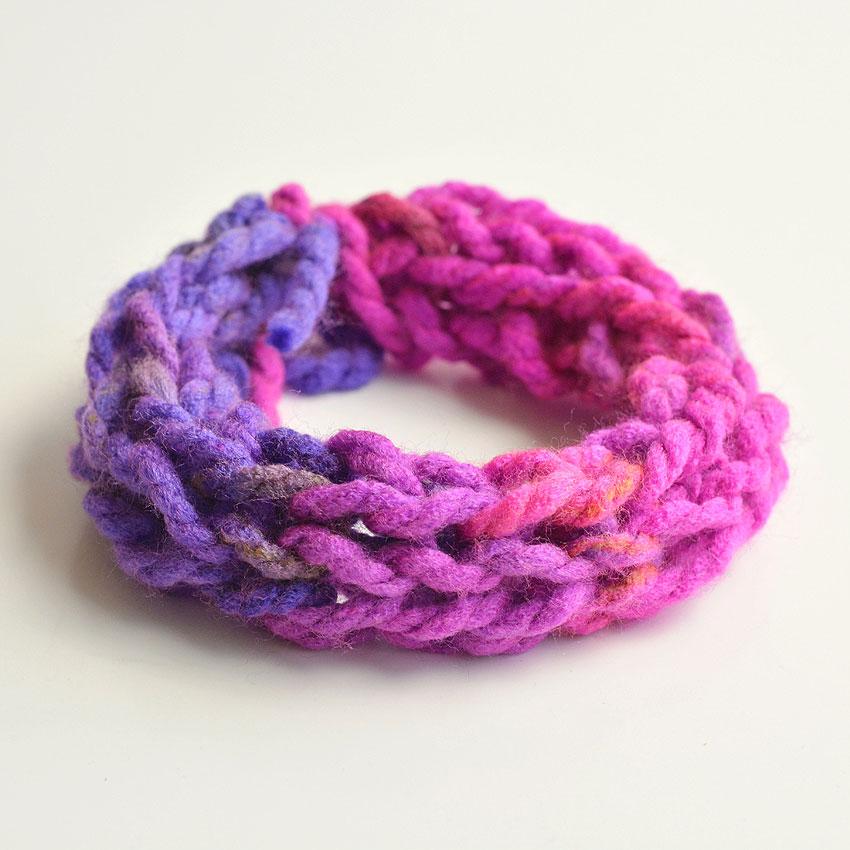 Finger Knit a Chunky Bracelet