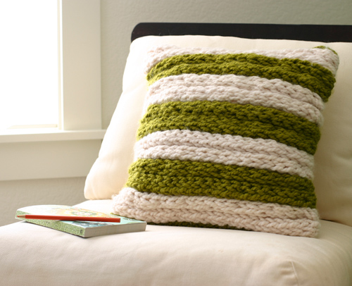 Add Finger Knitting to a Pillow
