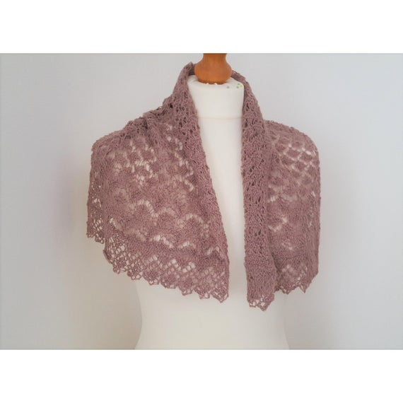 Delicate Lace Scarf Pattern