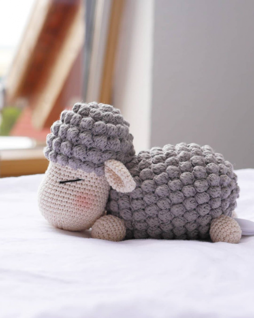 chet pattern lamb Frieda with music box