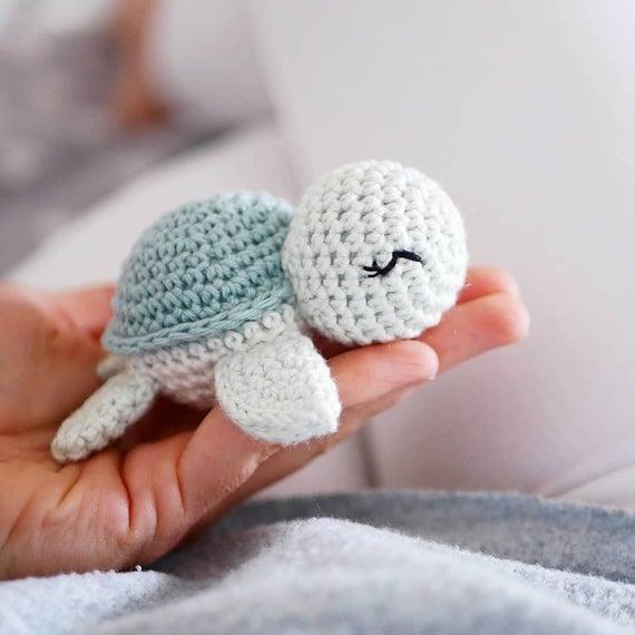 Crochet pattern little turtle