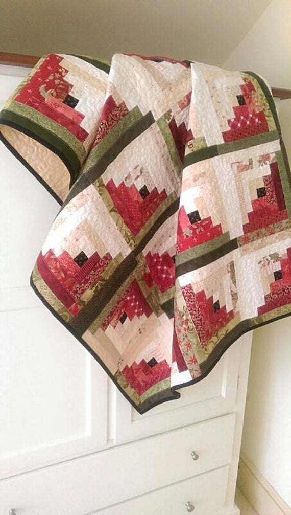 Small Log Cabin Christmas Tree Quilt Pattern